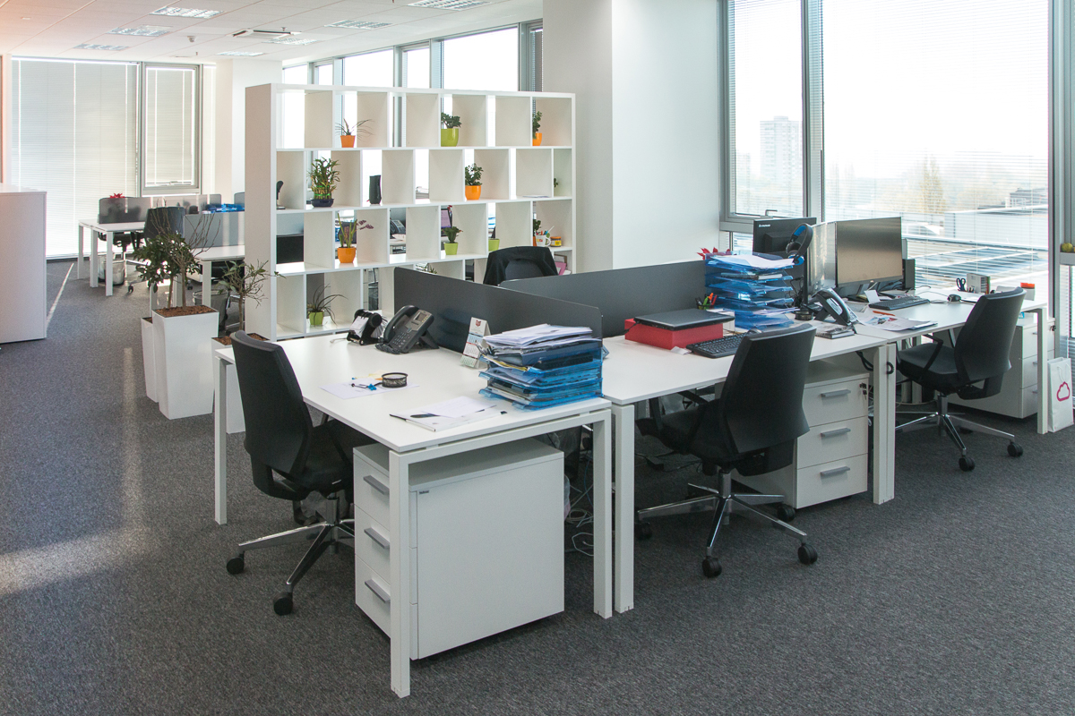 Furnishing Office Spaces Of Company Manpower With Office